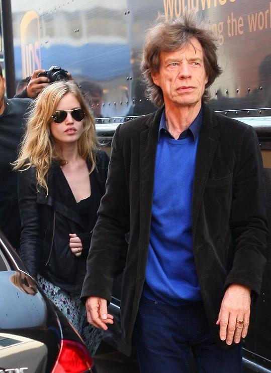 Mick Jagger s nejmladší dcerou.