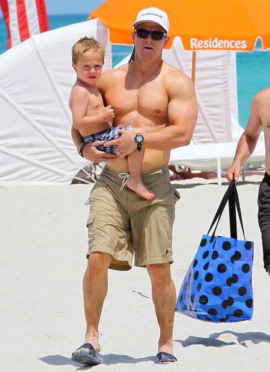 Mark Wahlberg se synem Brendanem