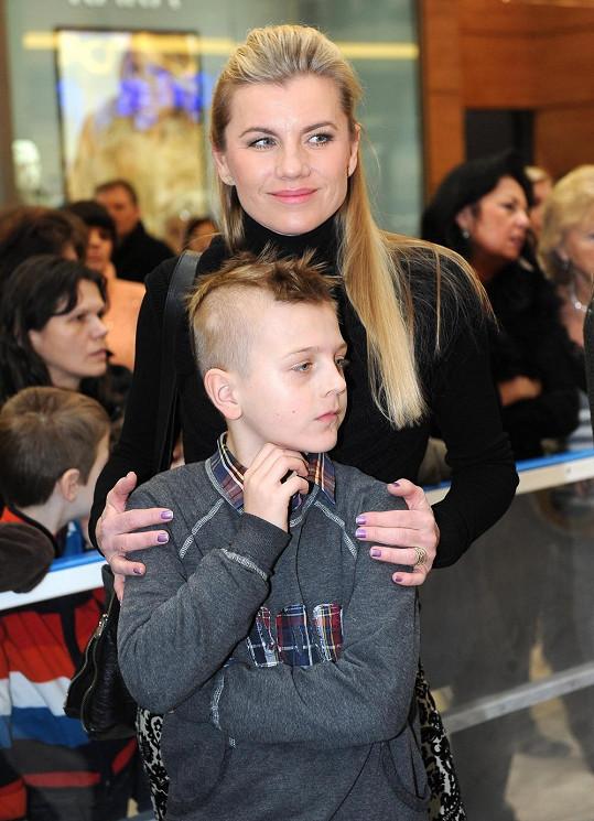 Leona se synem Arturem.