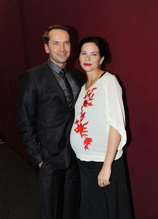 Zuzana Šulajová a Jan Révai v zákulisí StarDance