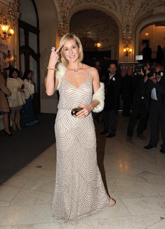 Jovanka Vojtková měla vypůjčené šaty Van Graaf.