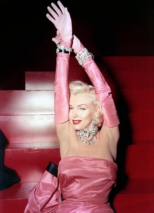 Marilyn ve filmovém muzikálu Páni mají radši blondýnky z roku 1953
