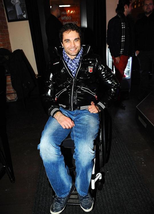 Martin Zach je již tři roky upoutaný na invalidní vozík.