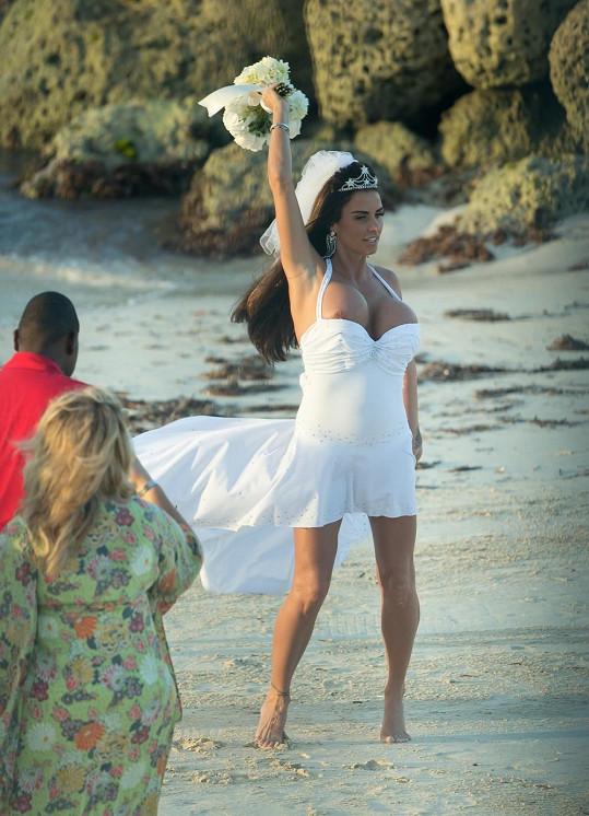 Katie Price se minulý týden vdávala na Bahamách.