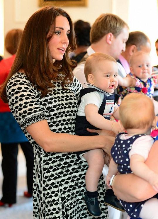 Setkání ve Wellingtonu se účastnilo kromě Williama, Kate a George deset miminek s rodiči.