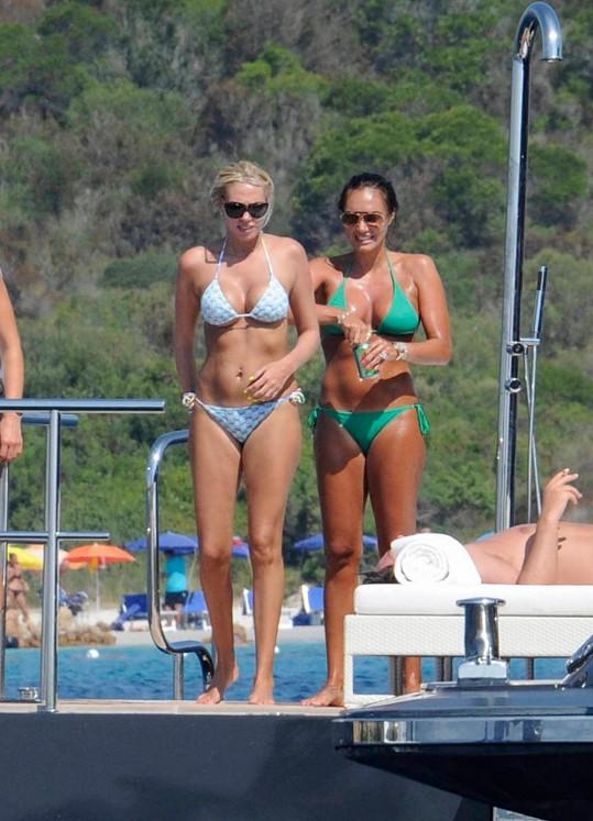 Pohádkově bohaté a velmi půvabné sestry jsou dcerami Bernieho Ecclestona.
