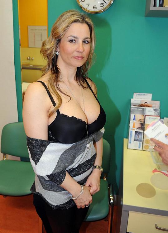 Monika Marešová chce mít menší ňadra.