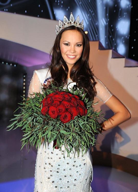 Českou Miss Earth 2013 je Monika Leová.
