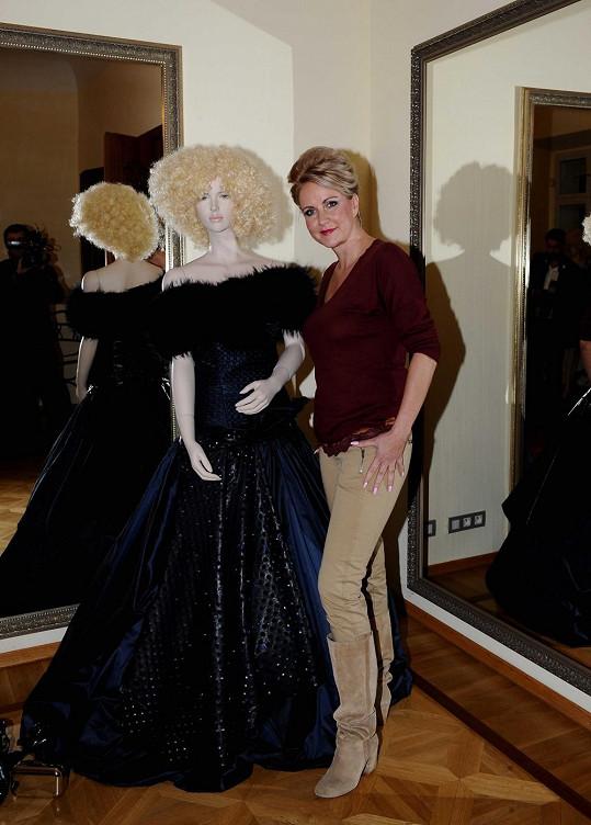 Vendula Svobodová si na Ples v Opeře oblékne tyto luxusní šaty.