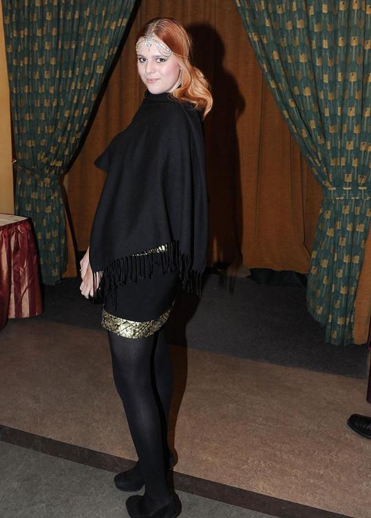 Ornella Štiková byla sama na párty.