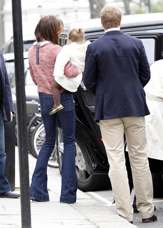 Beckham s dcerou Harper v Londýně.