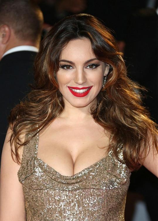 Kelly již řadu let boduje v britských žebříčcích krásy.