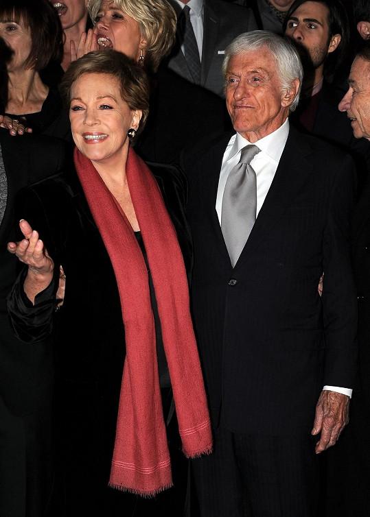 Julie Andrews i Dick Van Dyke jsou navzdory pokročilému věku stále svěží a fit.