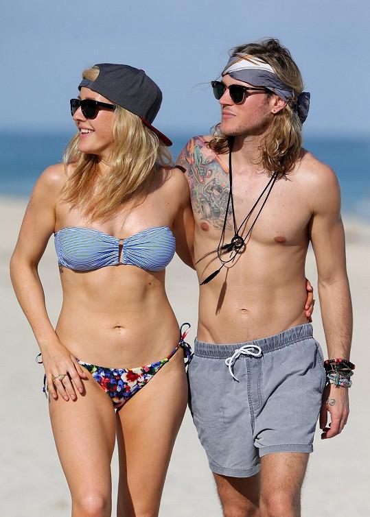 Ellie s přítelem Dougiem Poynterem