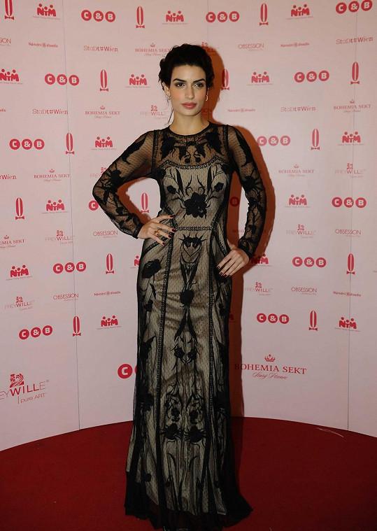 Největší hvězdou byla Bond Girl Tonia Sotiropoulou.