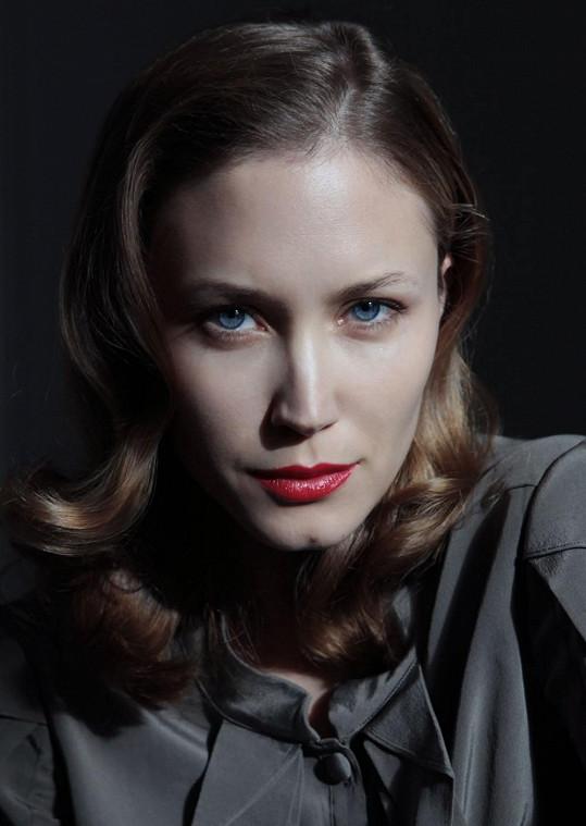 Modeling Terezu ale stoprocentně neuspokojoval a tak začala s herectvím.