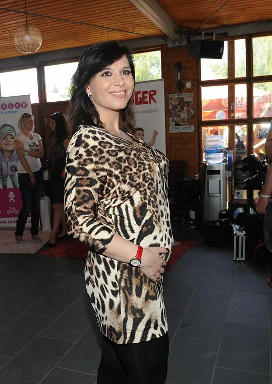 Andrea Kalivodová vypadá v těhotenství skvěle.