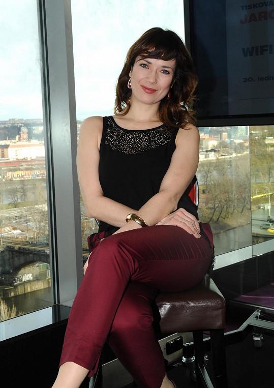 Tiskovou konferenci moderovala hvězda seriálu Cesty domů Tereza Kostková.