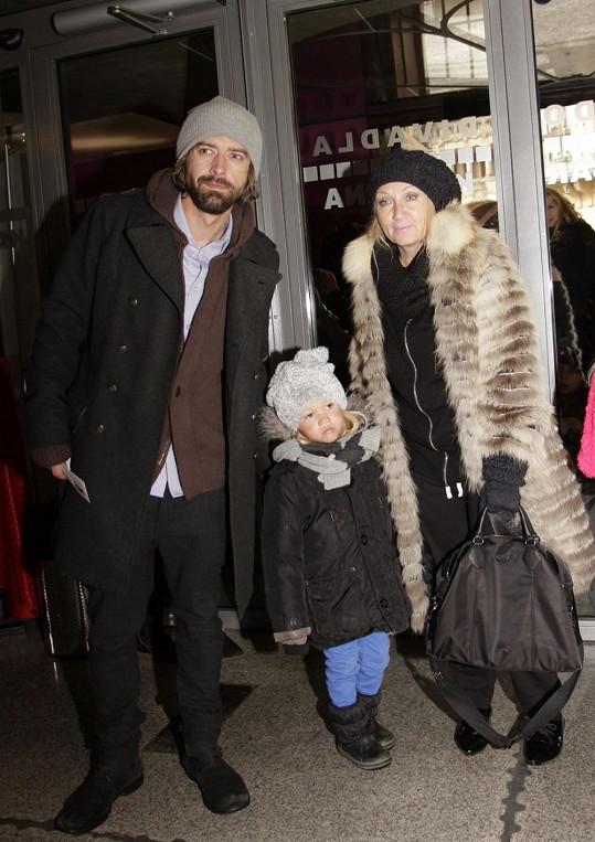 Bára Basiková vyrazila s rodinkou na muzikál.