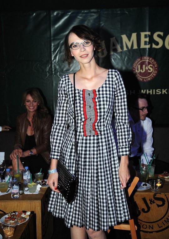 Jana Plodková si vzala do Varů jenom tyhle šaty.