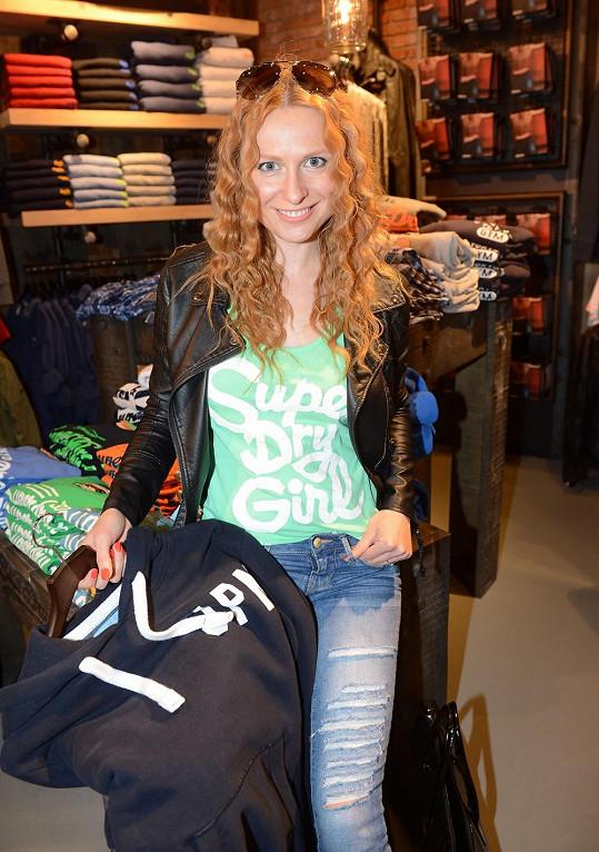Romana Pavelková se stará o veškerou garderobu svého snoubence.