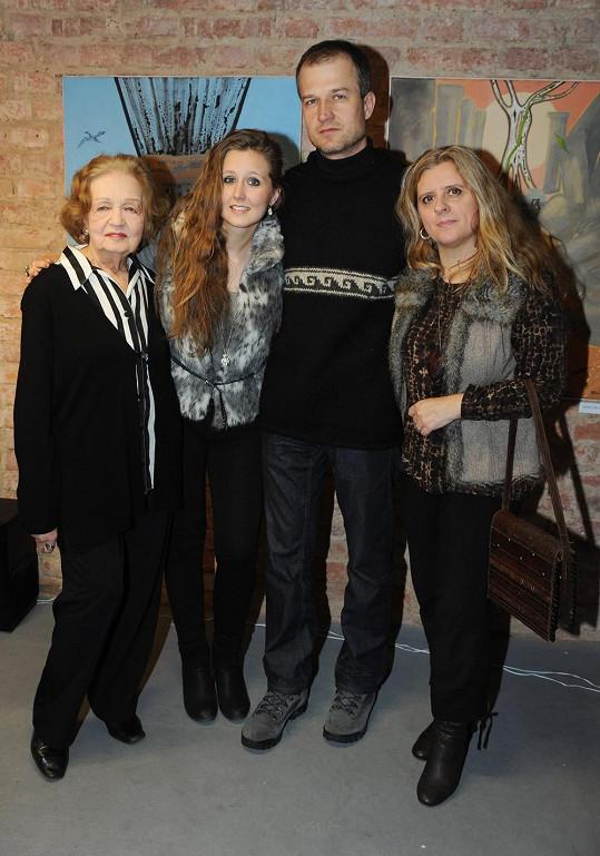 Blanka Bohdanová se synem Vladem, snachou Zuzanou Maléřovou a vnučkou Alžbětou