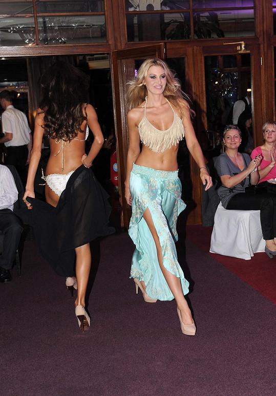 Kateřina je pravidelně ozdobou módních přehlídek.