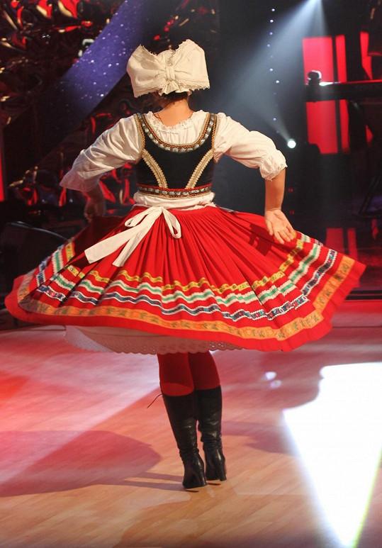 Jitka Čvančarová tančila a vykrúcala se.