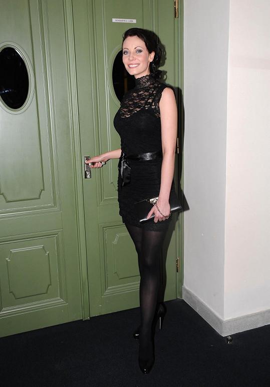 V upnutých černých šatečkách byla Zuzana Benešová neodolatelná.