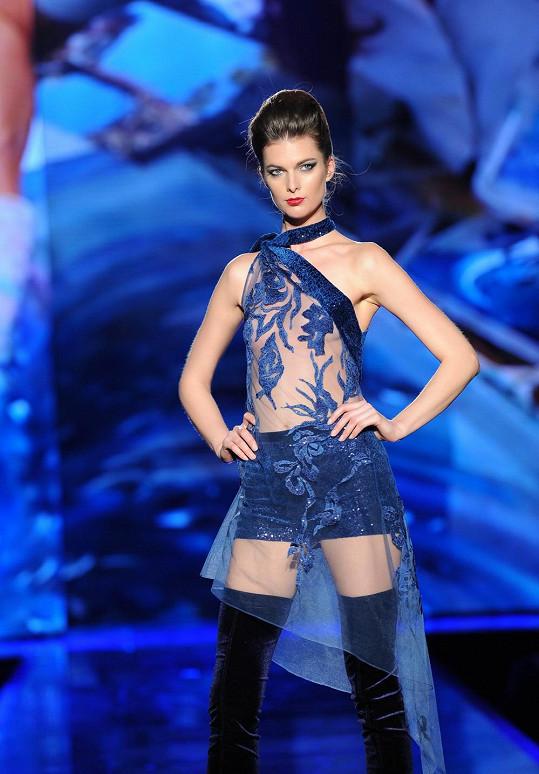 Některé modelky nosily holiny, které ráda obléká i jejich tvůrkyně Matragi.