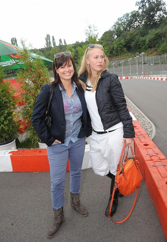 Patricie vyrazila na sportovní okruh v Greyhound Parku s kolegyní Anetou Krejčíkovou.