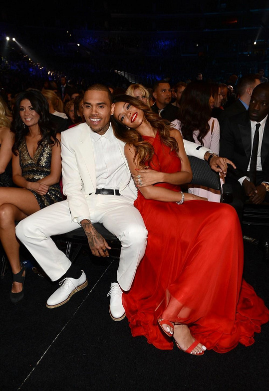 Rihanna a Chris Brown.