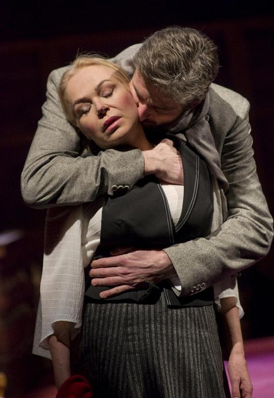 Dagmar Havlová a Roman Zach se v Divadle na Vinohradech sešli ve hře Rebeka.