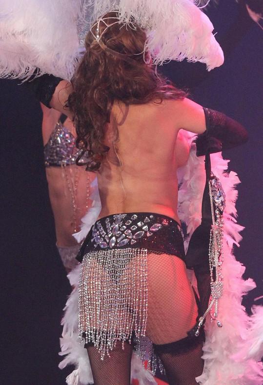 Yvetta Blanarovičová na pódiu neuhlídala kostým.