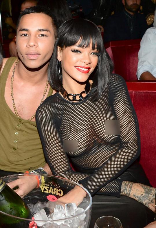 Rihanna strávila večer ve společnosti návrháře Oliviera Rousteinga.