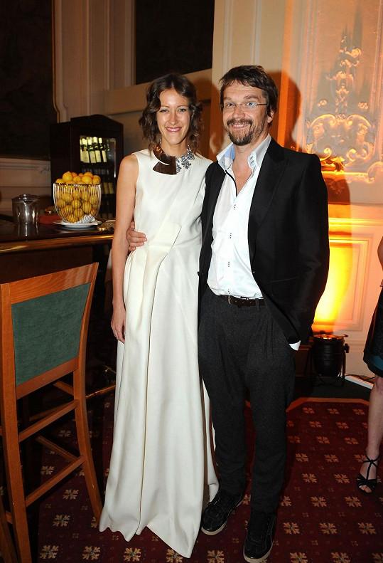 Dan Bárta s přítelkyní Alžbětou Plívovou žije dva roky.
