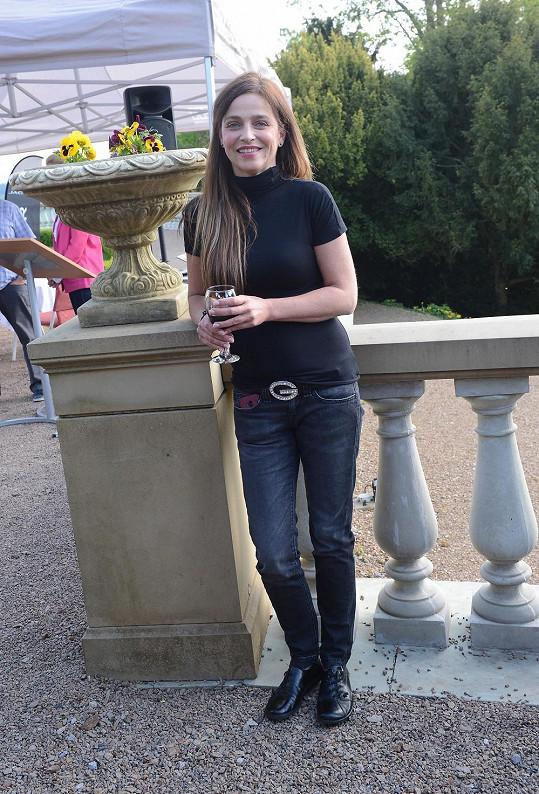Lucie může nosit stejné džíny jako v šestnácti.