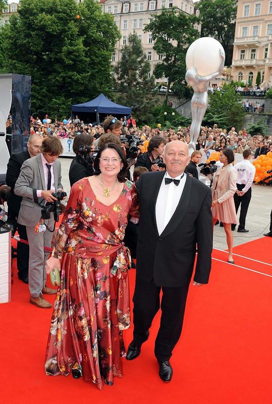 Miroslava Němcová zvolila decentní šaty.