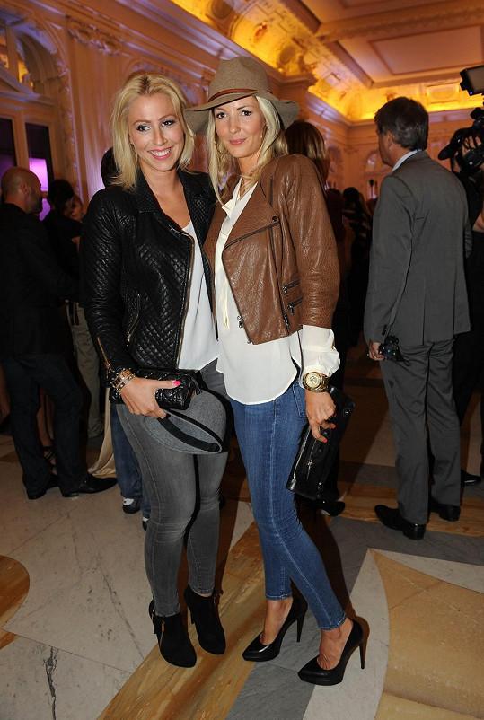 Tereza s kamarádkou Lindou