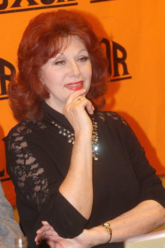Saskia Burešová napsala ve spolupráci s Vítkem Chadimou knihu o svém životě.