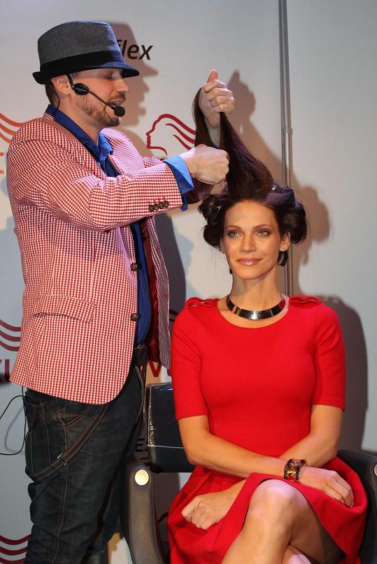 Andrea se svěřila do rukou kadeřníka Tibora Němce.