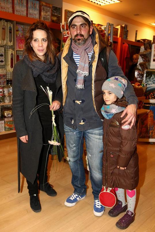 Aneta Langerová dorazila s bratrem a jeho dcerou.