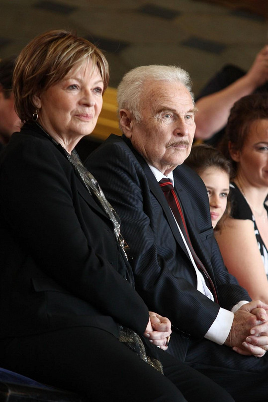 Jana Hlaváčová je tetou Matouškové.