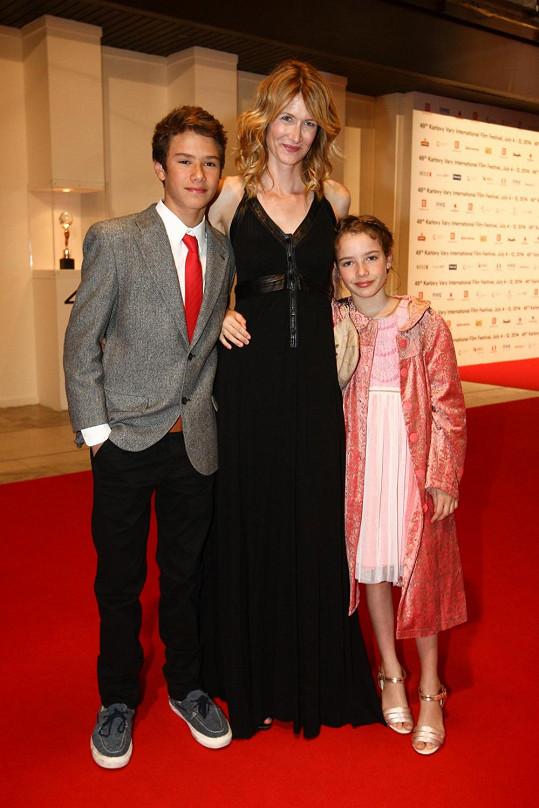 Laura Dern s dětmi