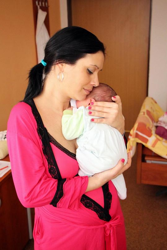 Adéla Taş se synem Nikolasem.