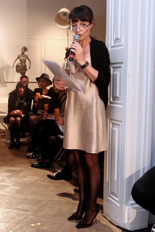 Liběna Rochová si přehlídku vlastních modelů sama odmoderovala.