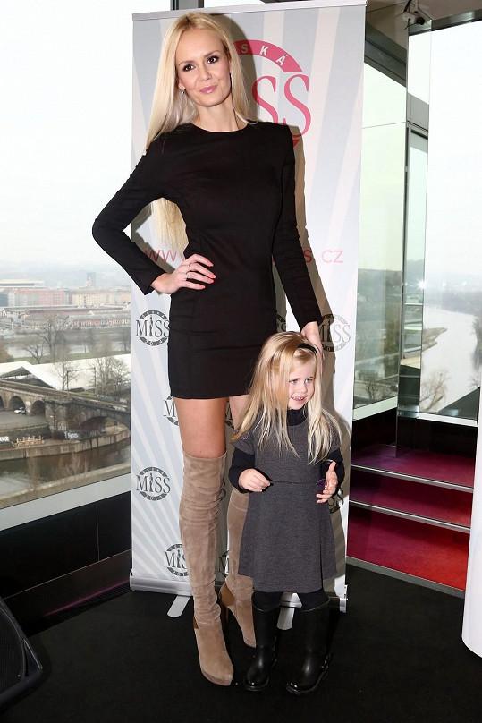 Česká Miss 2007 Lucie Hadašová s dcerou