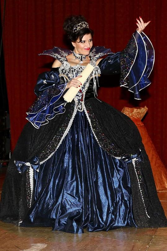 Andrea Kalivodová jako drsná Milady.