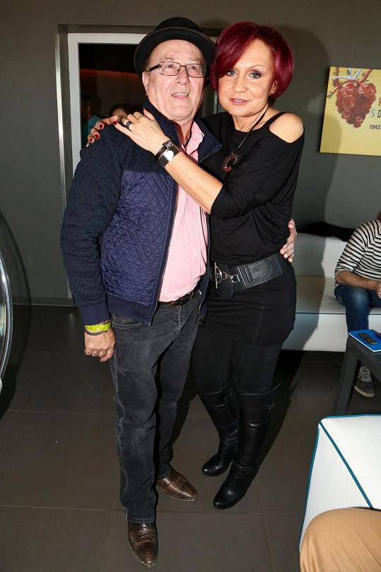 S kamarádem Petrem Jandou na narozeninách Rádia Impuls