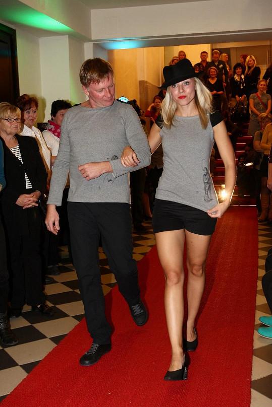 Michal Dlouhý si roli modela viditelně užíval.